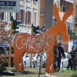 2012: cosa può nascere da un'aiuola soffocata dai cartelloni stradali e dal traffico! alberi, socialità, amore per l'ambiente