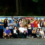 """Settembre 2011, un Murales di 25 metri, fatto con la partecipazione di un centinaio di donne, uomini e bambini (che l'amministrazione """"per errore"""" fece cancellare, anche se autorizzato)"""