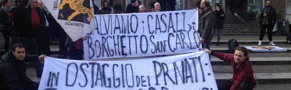 Marzo 2016, sit-in per chiedere a Impreme Spa di ristrutturare i casali storici di Borghetto San Carlo come da accordi con Roma Capitale